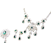Gorgeous Vintage Emerald Rhinestone Necklace, Brooch and Earring Parure