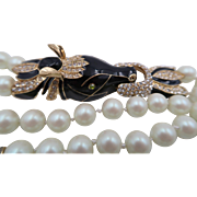 Statement Enamel Rhinestone Horse Bold Clasp and Knotted Faux Pearl Necklace