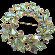 Vintage Unsigned Schreiner Green AB Kite Rhinestone Circle Brooch
