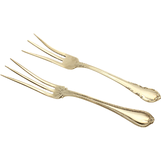 Sterling Lemon Forks 1906 'Paul Revere' by Towle and 1941 'Modern Victorian' by Lunt - No Monogram
