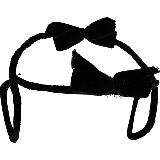 Black Velvet Fascinator With Two Bows