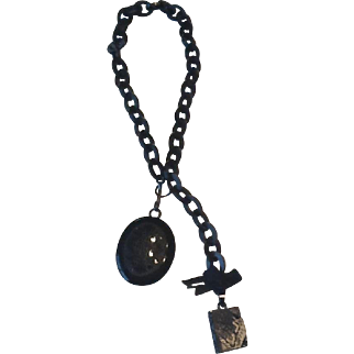V ictorian black mourning locket necklace