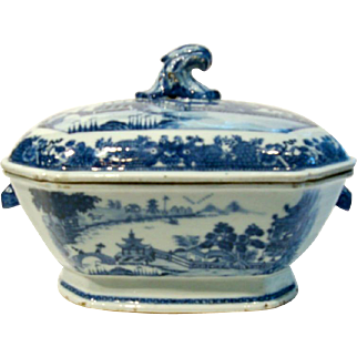Antique Chinese Blue and White Porcelain Tureen