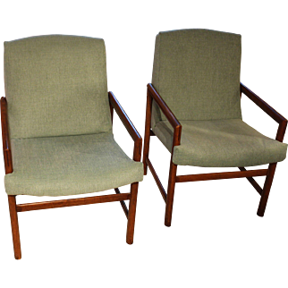 Pair of Mid-Century Modern Arm Chairs