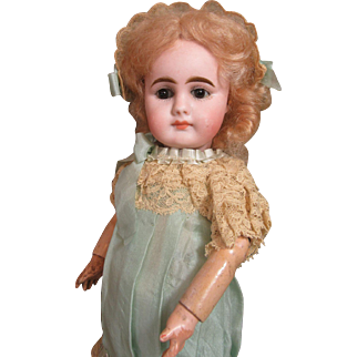 """""""Vanessa""""-Adorable Early Gebruder Kuhlenz Doll-Closed Mouth"""