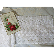 Beautiful Vintage Cotton Eyelet Lace Ruffling