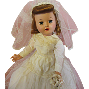 Lovely 1950's Bride Doll-Minty!