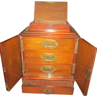Fine Victorian Table Cabinet Cigars / Collections etc