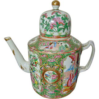 Stunning 19th Century Chinese / Canton Famille Rose Teapot