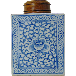 18th Century Chinese Export Tea Caddy