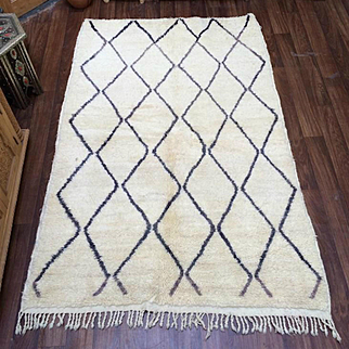 "Vintage Genuine Beni ourain rug 5'x8'8"" Moroccan rug"
