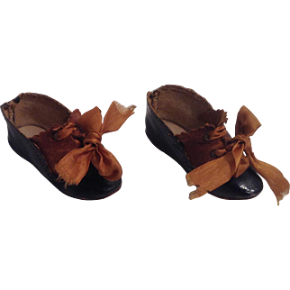 Wonderful 1890's -1900 2-Tone Doll Shoes