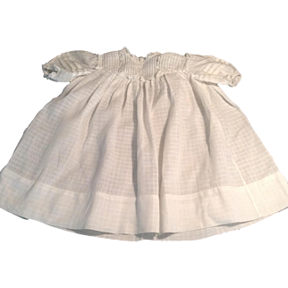 """Lovely 21"""" White Batiste Child/Doll Dress With Tucks & Lace Trim"""