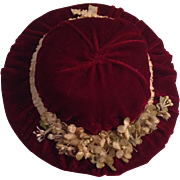 Beautiful Vintage Velvet Hat With Cloth Flowers & Leaves