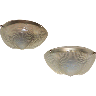 Pair of R. Lalique Manner Single Coquille Shell Opalescent Frosted Deco Style Sconces