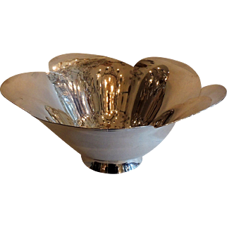 Tiffany & Co. Makers Sterling Silver Small Scallop Bowl