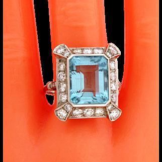 Stunning Original Art Deco 11.50 Carat Aqua Marine Diamonds Platinum Ring