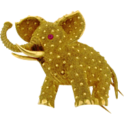 Vintage Elephant Ruby Eye 18k Yellow Gold Signed Brooch