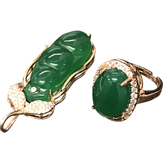 Magnificent Chinese Gilt Silver Rhinestone Green Carnelian Ring and Pendant Set