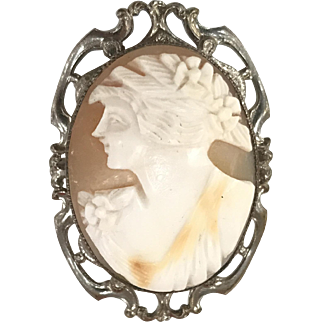 Vintage Hand Carved Shell Cameo Pin Brooch