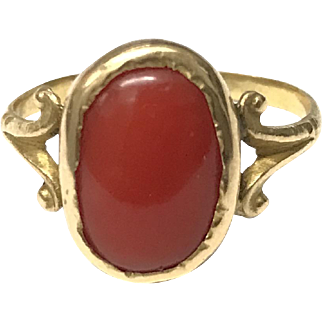 Antique 15 K Yellow Gold Handmade Natural Red Coral Ring Size 7, 1910's