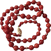 Vintage 14K Gold Graduated Round Genuine Red/Dark Red Coral Beaded Hand Knotted Necklace 17.5 Inches