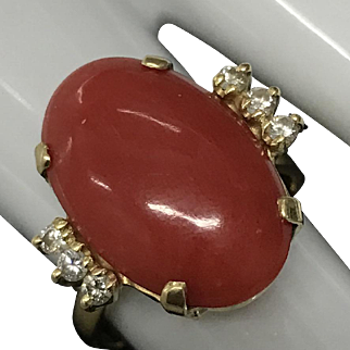 Vintage Classic 18K Yellow Gold Large Red Coral with Diamond Ring Size 7