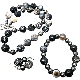 Unique Banded Agate Evil Eye Beaded Necklace Bracelet and Earrings Set
