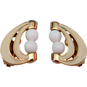 Gold Tone Swirl Creamy Tan White Beads Clip Back Earrings Vintage