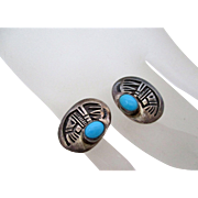 Native American Indian Bear Claw with Turquoise Stone Pierced Earrings Vintage