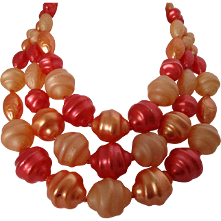 Peach Tangerine and Coral Rippled Plastic 3 Strand Necklace Vintage