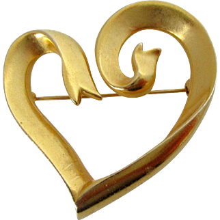 Matte Finish Gold Tone Ribbon Heart Brooch Marked Vintage