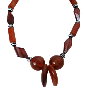 Lucite Claws and Beads of Dark Caramel Light Swirl Plastic Beads Necklace Vintage