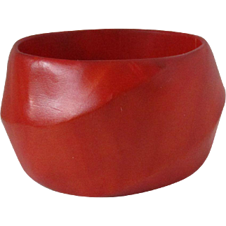 Desert Red Wavy Wood Wide Bangle Vintage