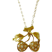 Vintage 18kt Gold Diamond Strawberry Pendant