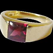Vintage 18kt Gold Garnet Chunky Ring
