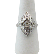 18kt Belais white gold and diamond ring