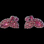 Vintage Weiss clip on peachy dark pink earrings