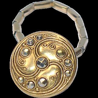 Vintage button bracelet with Victorian button
