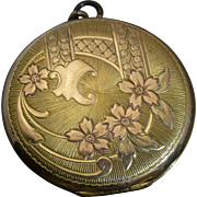 Vintage 14 KT gold (Acid Tested) rose and yellow gold locket