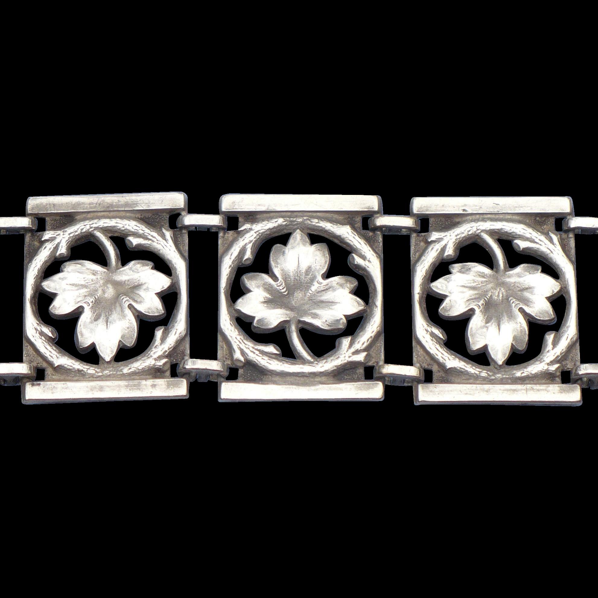 Sterling 1940s' leaf panel bracelet in Sterling silver