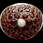 Vintage 14 karat gold garnet ring with Opal.