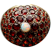 Vintage 14 karat gold garnet ring with Opal.