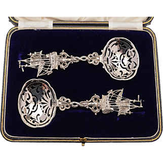 20th Century Dutch Pair of Cased Silver Serving Spoons, 1912