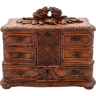Black Forest Carved Jewellery Box, Circa 1900