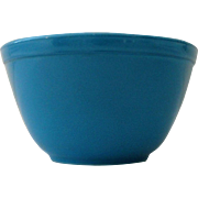 Pyrex 1 1/2 pt Blue Bowl from Primary Colors Set