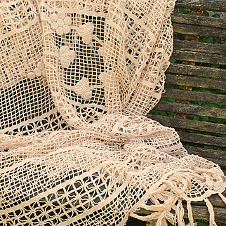 1900-1920 French handmade ecru crochet bedspread with fringes.