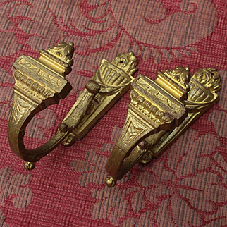 France late 19th,early 20th : pair of golden bronze curtain tiebacks,Louis XVI style.