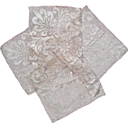 Four lace pieces : French work early 20th.