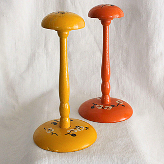 France 1925: Charming pair of wooden hat stands for doll.